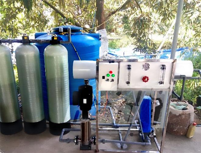 Máy lọc RO có năng suất 1m3/giờ đủ cho gia đình, gia súc và tưới cây ăn trái trong vườn