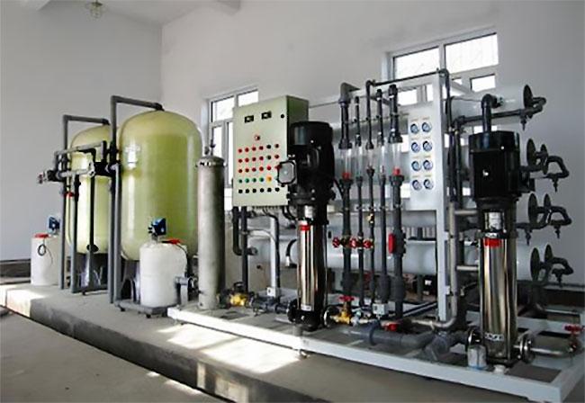Xử lý nước nhiễm mặn bằng hệ thống lọc RO cho nhà máy sản xuất cần năng suất lớn