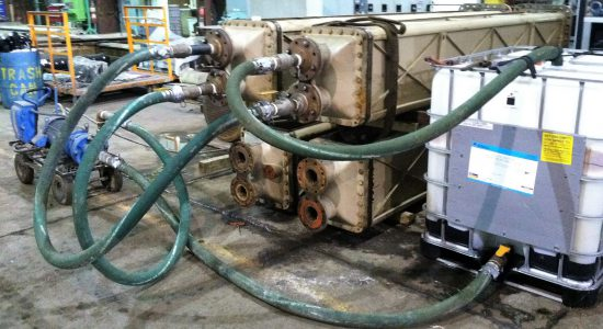 cleaning-with-recirculation-pump-to-clean-oil-and-grease-scale-for-heating-exchanger